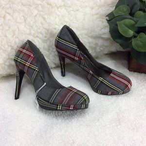Fioni Gray Plaid Heels Size 8